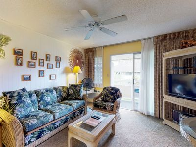 Photo for Breezy condo with shared pool, hot tub, short distance away from the beach