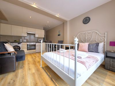 Photo for Studio 15 min to Wembley Stadium, Willesden Green, London #CJ4