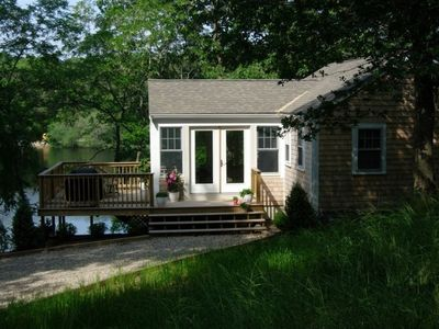 Newly renovated waterfront cottage on Schoolhouse Pond.  Swim, fish....enjoy!