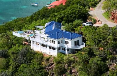 Only 6 min drive to town, but so private and quiet. Perched 180' above Hart Bay