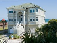 Beautiful large home perfect for a beach wedding