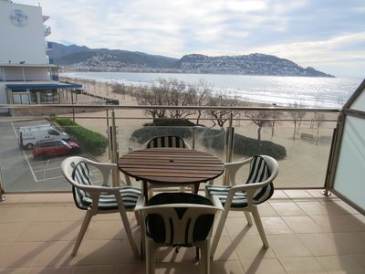 Photo for RHO. Apartment front the sea with nice views and terrace