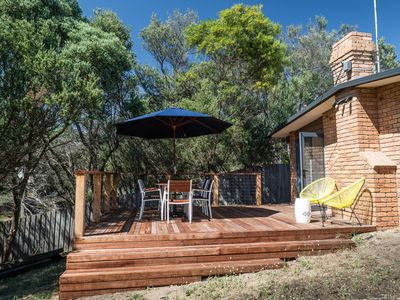 Photo for Private, secluded, 3 bedroom family home, fully renovated & close to bay beaches