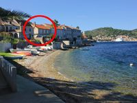 Nice apartment with very good location by the sea ...