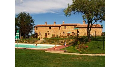 Photo for Holiday with friends in the Tuscan countryside in Montepulciano