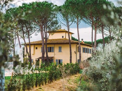 Photo for Apartment with panoramic garden, to relax and visit Tuscany