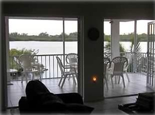 Beautiful Waterfront/ Home with Easy Gulf & Ocean Access