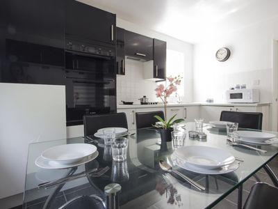 Photo for 3 Bedroom APT Close to Metro #V3