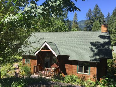 Sunny Cabin on the Upper McKenzie River