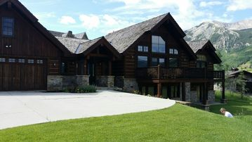 Beautiful 5 bedroom/4 bath home located at the golf course in Crested Butte