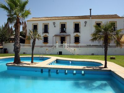 Photo for Hacienda year 1721 to 10 km from seville very comfortable for family gatherings