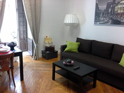 Photo for 2-8. The courts. Sun. Madrid center. Nice apartment 70m2. Bright. WIFI. AA