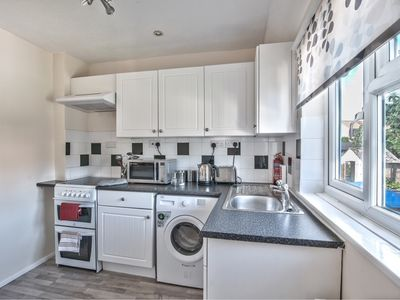 Photo for Modern 1 Bedroom Apartment in Somerset
