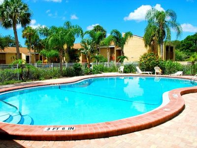 Photo for 5 minutes drive to nr Siesta Key 1/1 Large condo. The pool heated