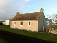 Lovely remote cottage overlooking the sea. Fantastic area for seeing sea birds.