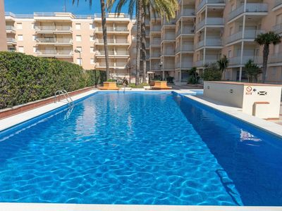 Photo for Lovely apartment for 8 people with pool, TV and parking