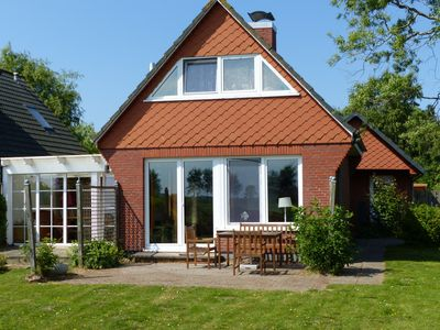 Photo for BALTIC SEA *** near the beach ** direct water position ** conservatory * tiled stove * fishing *