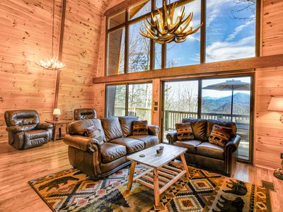 Photo for NEW LISTING -Stunning view & Cabin amenities-2.5 mi to Gatlinburg