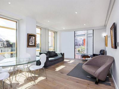 Photo for 1 Bedroom Covent Garden Apartment