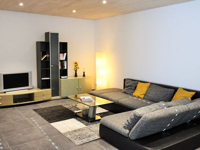 Photo for Newly renovated 2 bedroom apartment near the border with garden