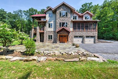 Experience all that Grantville has to offer at this vacation rental house!