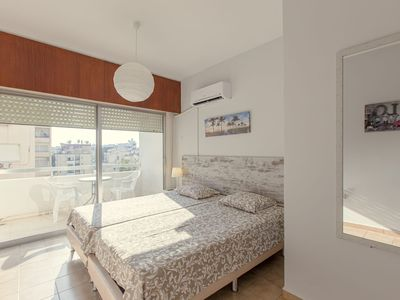 Photo for Seafront furnished studio