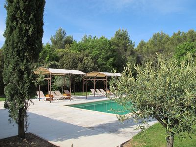 Photo for Charming cottage between Gordes and Roussillon for 2 persons