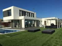 Perfect location, stunning views, luxurious villa, lovely outdoor areas