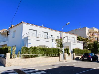 Photo for Quiet house with terrace, 25m from the beach of L'Hospitalet del Infant.