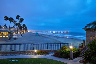 The ocean and pier views from Coastal Cottage are especially spectacular at Twilight!