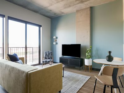 Photo for Sonder | Mill Ave | Classic 1BR + Balcony