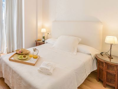 Photo for Malaga: 350 EUROS/WEEK 2 PAX COZY AND QUIET FLAT IN THE HISTORICAL CITY CENTRE. WITH  LIGHT ANDALUSIAN PATIO WHERE YOU CAN  HAVE GLASS OF WINE.