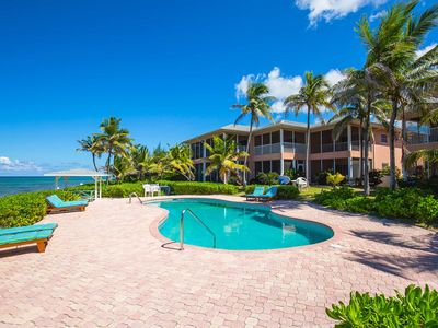 Northern Lights #5: 2-Story Beachfront Oasis in North Side w/Pool, Dock, & Snorkeling
