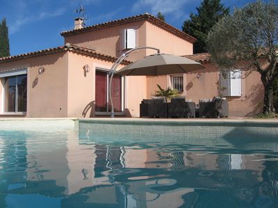 Photo for Magnificent villa with pool on the edge of Verdon .with independent studio.