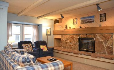 Photo for Beautifully Appointed  2 Bedroom  - Longbranch 108