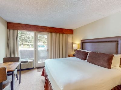 Photo for Comfortable & well-equipped room w/shared hot tub, outdoor pool, gym