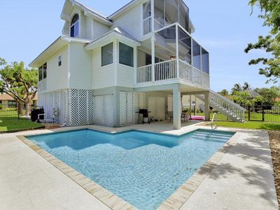 Photo for WALKING DISTANCE TO BEACH! For families who are looking for accommodations and an unbeatable loca...