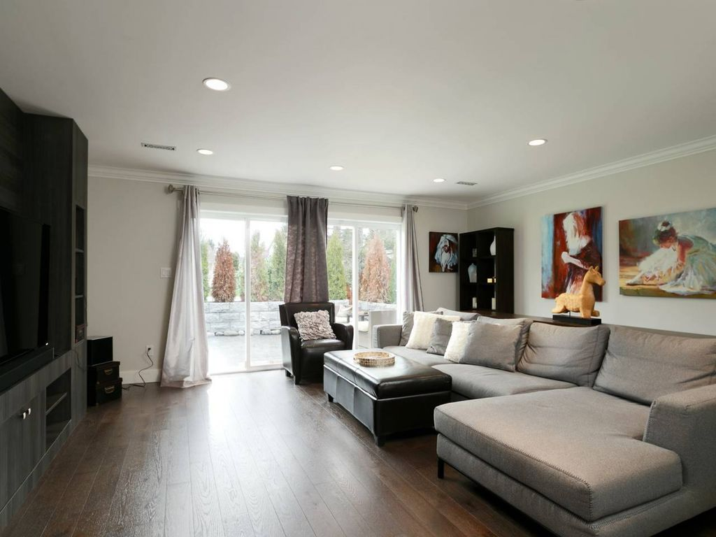 Finely Furnished 4BDR 4BA House in Tsawwassen