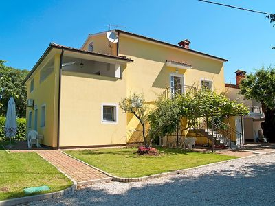 Photo for Apartment in Poreč with Internet, Pool, Air conditioning, Parking (304981)