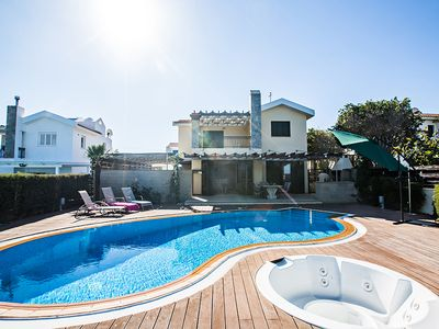 Photo for Villa Joanna, Luxury 3BDR Villa with Private Pool, walking distance to the beach