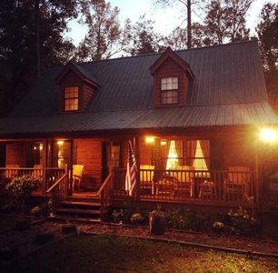 Welcome to your mountain get away 'Yonah South Cabin'.