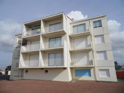 Photo for Ground floor apartment in residence at 400 m from the beach of La Faute Sur Mer