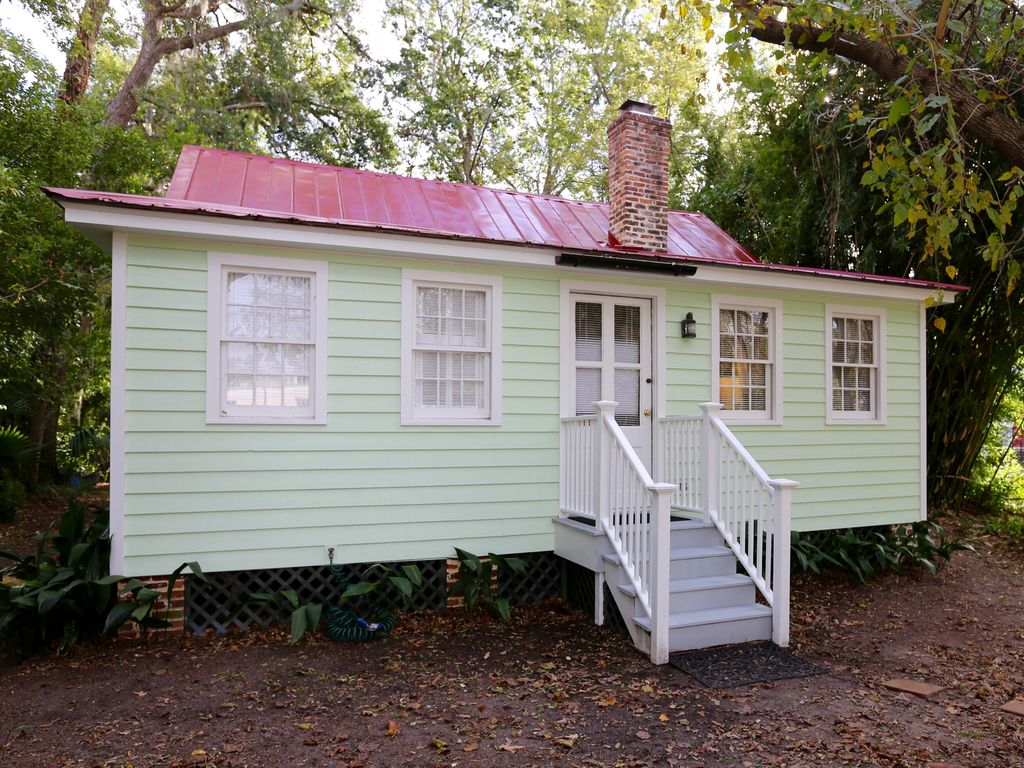 Surprising Quaint Cottage In Historic Old Point Beaufort S C The Old Point Download Free Architecture Designs Sospemadebymaigaardcom