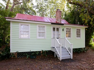 Photo for QUAINT COTTAGE IN HISTORIC OLD POINT   Beaufort, S.C.