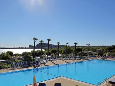 Photo for Apartment Residence Onda Blu (MAN120) in Manerba - 4 persons, 1 bedrooms