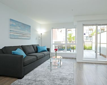 Photo for Gorgeous Old Town Condo with Patio and Parking!