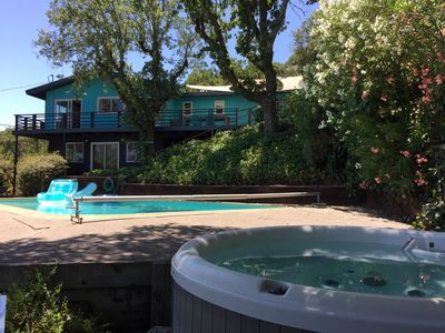Photo for Huge heated pool, hot-tub, gorgeous views, sunny haven close to San Francisco