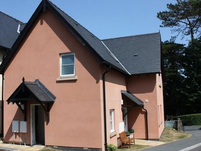 Photo for Comfy Apartment in Saundersfoot near Glen Beach