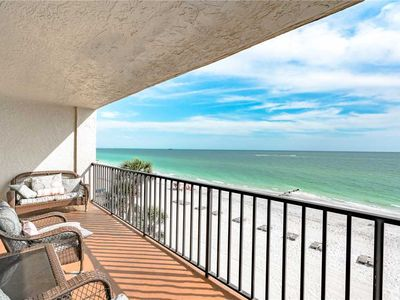 Photo for Las Brisas 306, Shared Pool, 3 Bedroom, Sleeps 8, Gulf Front, BBQ Area