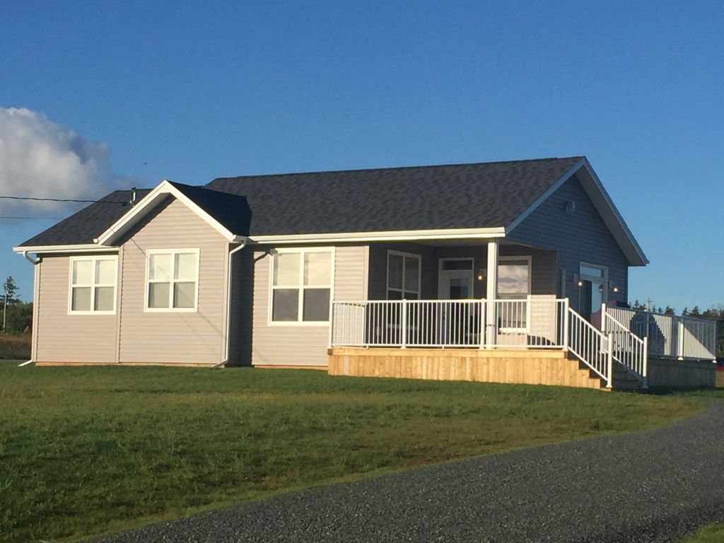 Brackley Beachside Executive Cottage - Brackley Beach PEI - Weekly ...